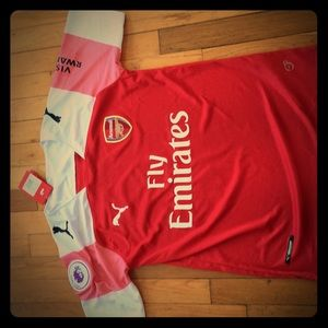 Arsenal shirt özil
